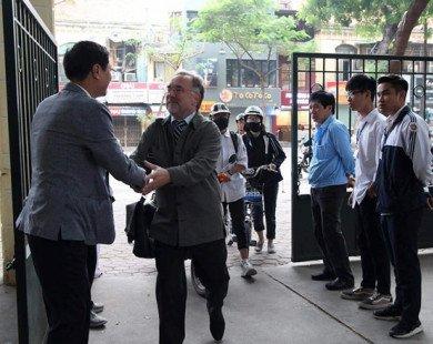 Hiệu trưởng THPT Việt Đức: Bài học làm người từ lời chào ở cổng trường