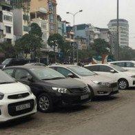 Thuê xe ô tô tự lái dịp Tết: Giá cao vẫn hút khách
