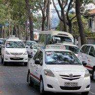 Grab, Uber cạnh tranh quyết liệt, Vinasun lui về tỉnh lẻ