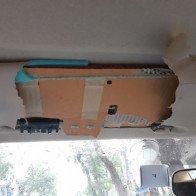 Người dùng Việt phản ứng mạnh vụ tấm chắn nắng Toyota làm từ carton