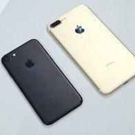 Người mua iPhone bức xúc vì cửa hàng chào giá một đằng, bán một nẻo