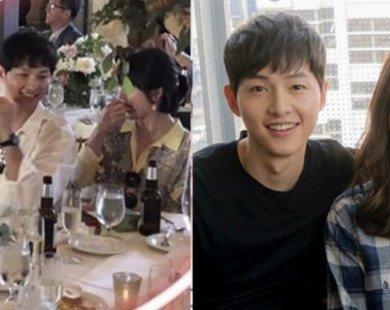 Dắt vợ sang đất Mỹ ăn cưới, Song Joong Ki cười tít mắt mỗi khi nhìn Song Hye Kyo