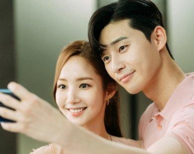 Làm việc chung 9 năm, cuối cùng Lee-Kim đã có tấm hình selfie đầu tiên, tập 13 hứa hẹn nhiều bất ngờ
