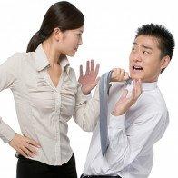 Tướng đàn ông sợ vợ một phép, các bà vợ nói sao phải nghe vậy, không dám trái lời