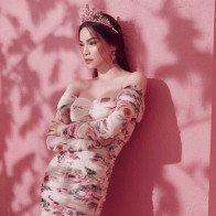 Hồ Ngọc Hà tung bộ ảnh hóa công chúa hoa hồng, dễ thương hết nấc