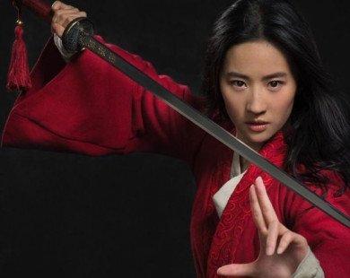 CĐM tranh cãi về hình ảnh đầu tiên của Mulan trong live-action: Lưu Diệc Phi chỉ nên đóng bánh bèo?