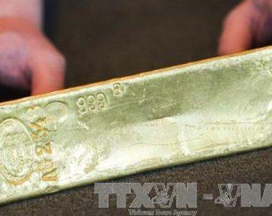 Vì sao giá vàng thế giới vẫn lao dốc trong giai đoạn nhiều bất ổn?