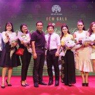 MC Quyền Linh rơi nước mắt tại đêm Gala