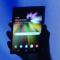 Samsung trình diễn điện thoại màn hình gập 7,3 inch