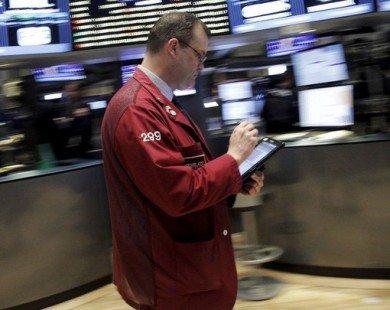 Dow Jones mất gần 1.000 điểm kể từ đầu tuần, chứng khoán Mỹ chưa thấy điểm sáng