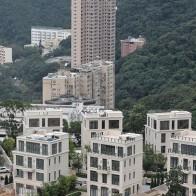 Mất hơn 100 tỷ tiền cọc mua nhà vì tự hủy hợp đồng vào phút chót