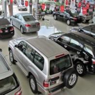 Thị trường ô tô căng thẳng cuối năm, thượng đế không ngại chi tiền mua
