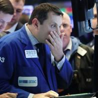 Chứng khoán Mỹ rung lắc vì bán tháo, Dow Jones