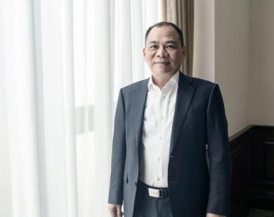 """Bloomberg: Tỷ phú Vượng chấp nhận VinFast 5 năm không lãi, hy vọng 96 triệu dân Việt Nam sẽ đón nhận """"cách mạng xe điện"""""""